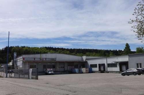 Betriebsliegenschaft in Regau mit toller Infrastruktur