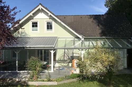 Charmantes Einfamilienhaus mit XXXL Garten im Zentrum von Timelkam
