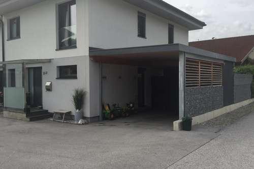 Doppelhaushälfte mit Carport in Vomp