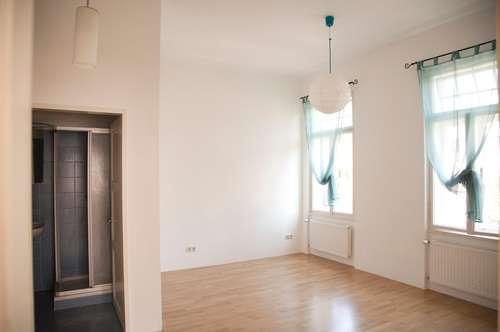 Charmante 3 Zimmer Wohnung - WG geeignet
