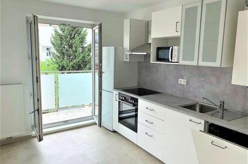 AB SOFORT, Erstbezug nach Renovierung in beliebter Lage, 2 Zimmer mit 65m², Einbauküche, Waschmaschine, Kellerabteil