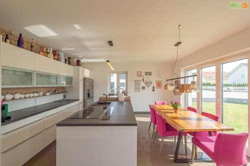 geräumige Doppelhaushälfte mit Keller - Ortsanfang Strasshof - 240 m²