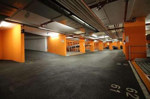 Zentrale Garagenplätze in der Huttengasse 37