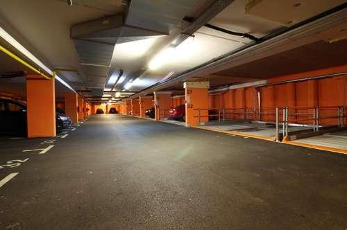 Zentrale Garagenplätze in der Zwinzstraße 1B