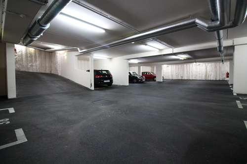 Garagenstellplätze in der Rötzergasse 43