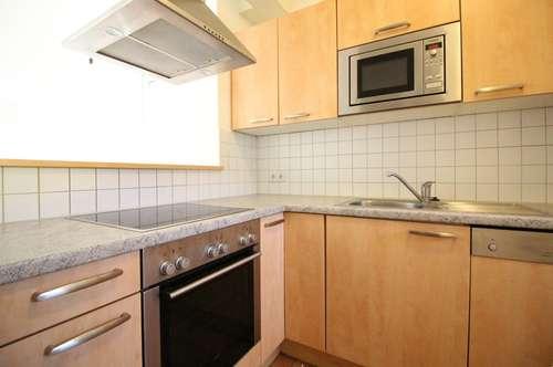 Perfekt aufgeteilte 3-Zimmer-Wohnung mit Loggia in Parknähe