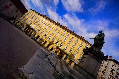 Geschäfts- bzw. Dienstleistungsfläche in Grazer Bestlage zu vermieten!