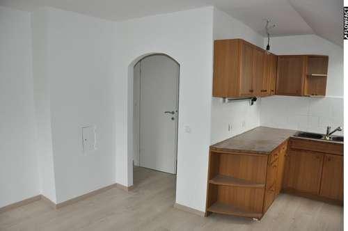 Provisionsfrei 3-ZI Wohnung in zentraler Lage