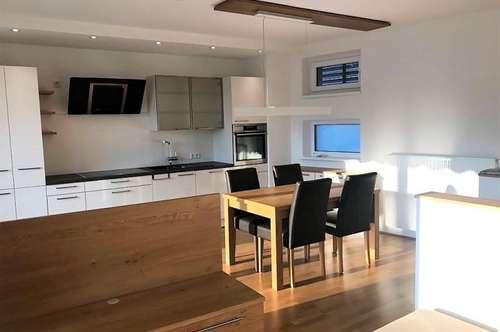 LUXUS: Moderne Maisonette mit Balkon + Dachterrasse