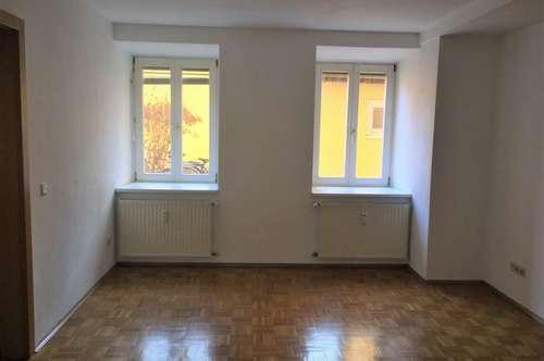 +++ PROVISIONSFREI + ZENTRAL +++ Schöne 2-Zimmer-Wohnung im ruhigen Innenhof