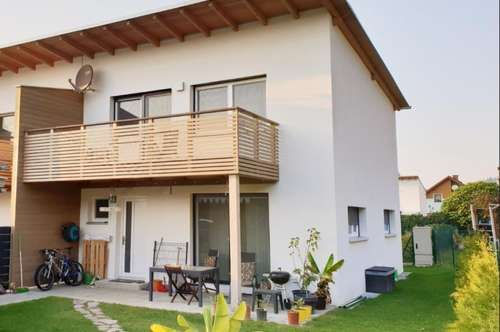 Sonniges Reihenhaus mit großem Garten, 89 m2 mit großzügiger Terrasse, PROVISIONSFREI