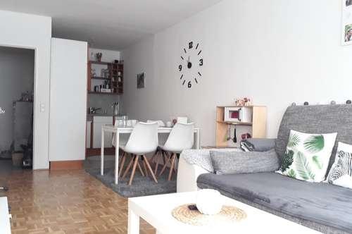 Wunderschöne 2-Zimmer-Wohnung mit Küche