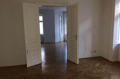 Wunderschöne 2-Zimmer-Altbauwohnung mit Fischgrätenparkett und EBK inkl. Geschirrspüler in 1140 - PROVISIONSFREI !!