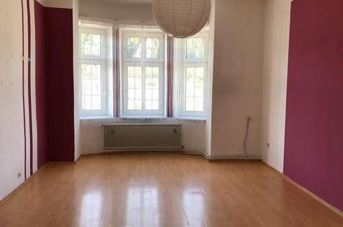 Schöne, großzügige Wohnung in Rabenstein - zu Vermieten