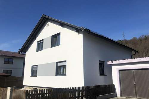 Wohnhaus mit großzügigem Raumkonzept in ruhiger Wohnlage in TRAISEN - zu Verkaufen