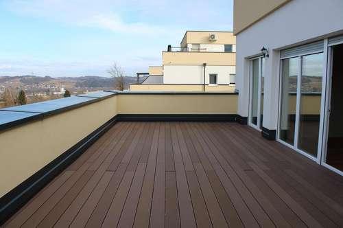 Ruhige Lage, große Terrasse, schöne Aussicht!