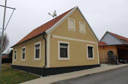 NEU RENOVIERTES Einfamilienhaus in zentraler Lage
