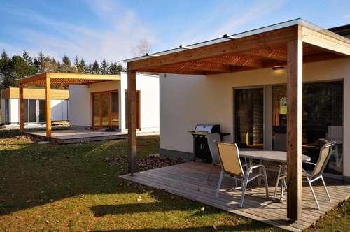 Holz-Ferienhäuser in bester Lage am Römersee