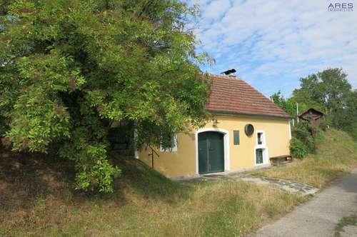 Hadersdorf am Kamp: Beeindruckender Weinkeller mit ca. 1000m² großem Grundstück