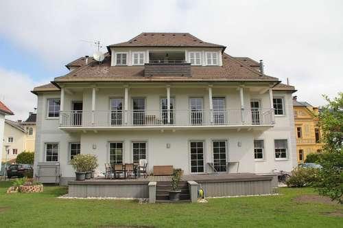 Gemütliche Wohnung in seenaher Gartenvilla