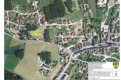 Sonniger Siedlungsgrund in Zentrumsnähe - Hanglage