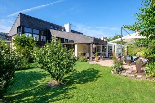Wohnen und Arbeiten in einem repräsentativen Architektenhaus mit Top-Ausstattung