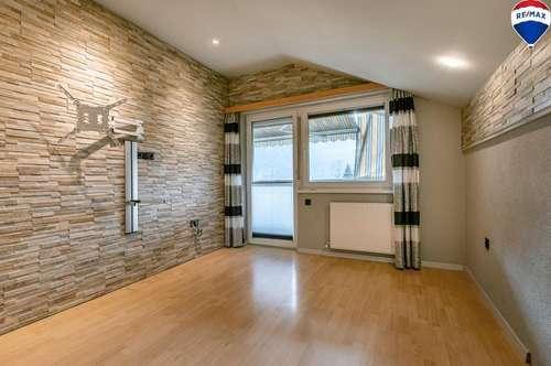 Einzigartige 3-Zimmer-Dachgeschosswohnung in Radfeld zu kaufen!