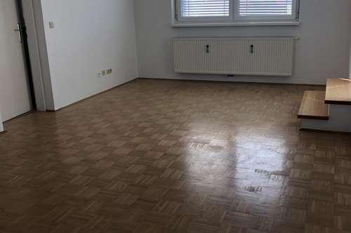 Provisionsfrei 55m² mit Dachterrasse und Carport!