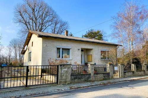 Einfamilienhaus mit 1455 m2 großem Grundstück zu verkaufen! ⫸ Immobilienquartier