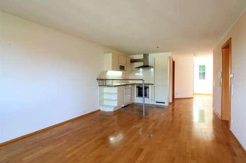 Schmucke 3 Zimmerwohnung in herrlicher Lage in Muntlix zu verkaufen!