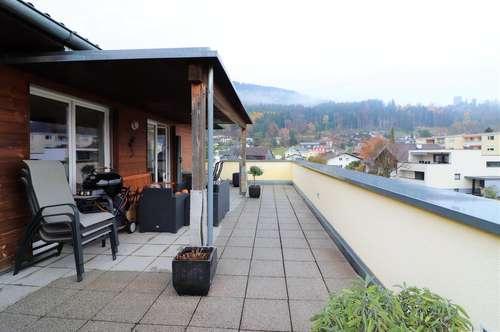 Fabelhafte Aussichten in Feldkirch: Großzügige 2,5-Zimmerwohnung in Tosters mit herrlicher Terrasse zu verkaufen!