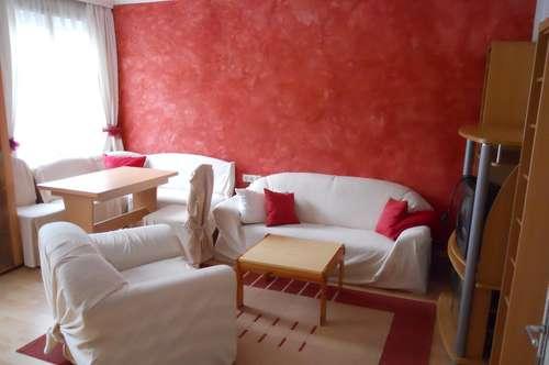 Ruhige 3 Zimmer-Altbauwohnung, voll möbliert