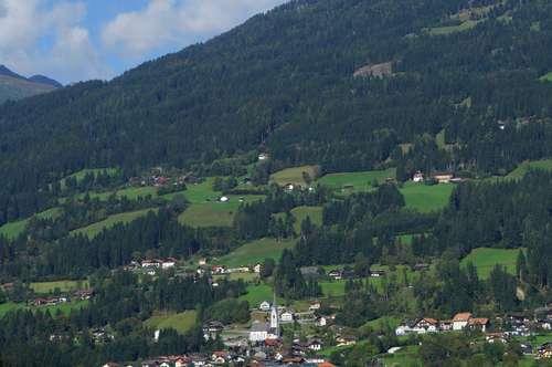 sonniges - flaches Baugrundstück mit Bergblick