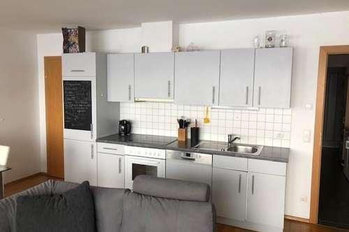 schöne 2 Zimmer Wohnung mit Terrasse und TG