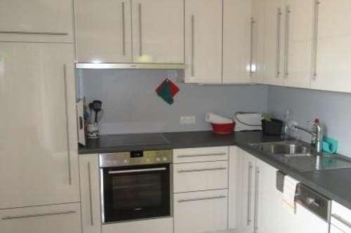 romantische 3 Zimmer Wohnung mit Kachelofen, Balkon/Terrasse und Garten