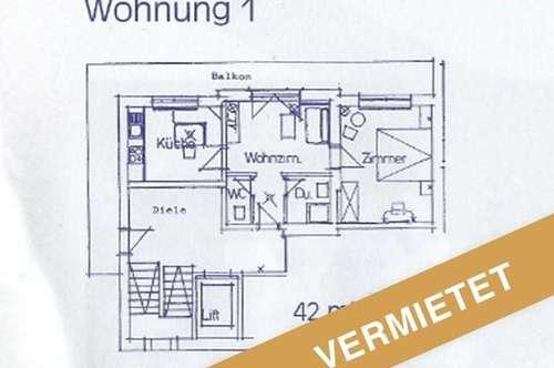 sonnige 2,5 Zimmer Single Wohnung mit Balkon