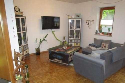 freundliche 3 Zimmer Gartenwohnung mit Terrasse