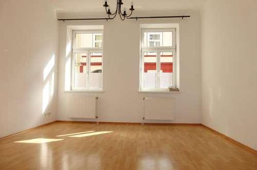 WG taugliche helle, sympathische 3 Zimmer Wohnung