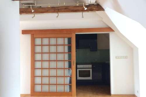 Dachgeschoss-Wohnung, Innere Stadt, zu vermieten!