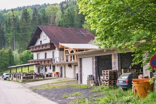NEUER PREIS: Großzügiges Mehrfamilien-Haus mit Gastlokal und Pool - Traumhafte Aussichtslage nahe Kapfenberg! Ideal für Familien und Selbstständige.