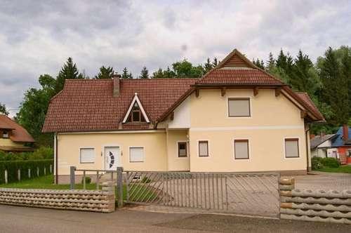 Exklusives Zwei-Familienhaus - Erstbezug nach Generalsanierung mit großem Garten - Idyllische Lage am Stadtrand von Zeltweg.