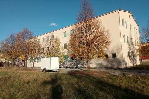 Vielseitige Immobilie mit Büro- und Geschäftshaus