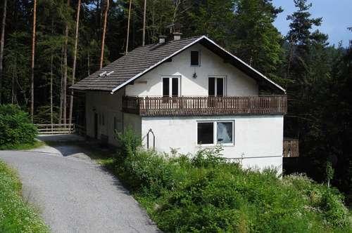 350 m² 3-stöckig Zweifamilienhaus von Privat