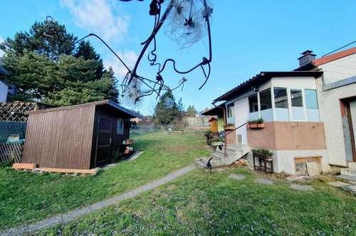 Baugrund mit kleinem Häuschen in Leobendorf