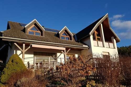 PROVISIONSFREI - Sonnige, großzügig geschnittene Wohnung mit Balkon, Terrasse, Wintergarten, Gartenanteil, Mietpreis alles inklusive