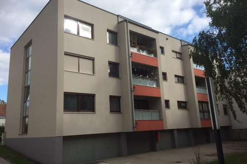 KOFFER PACKEN UND EINZIEHEN- 3 Zimmer Wohnung mit Loggia + Garage ruhig zentrumsnah