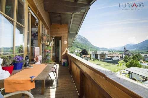 Helle Dachgeschosswohnung in Toplage von Stans