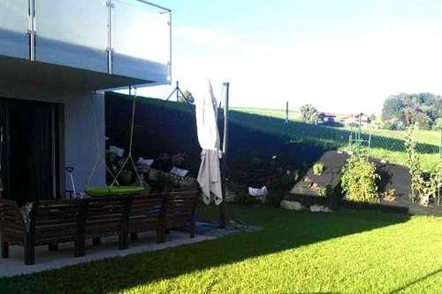 Straßwalchen: Neuwertige, sonnige Garten-Wohnung mit Balkon und Tiefgarage zu verkaufen!