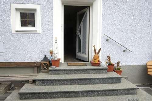 Tamsweg: 2 Parteienhaus mit großem Lagerraum und Garten!