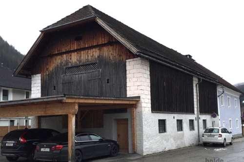 Tamsweg: Altes Bauernhaus (2 Parteienhaus) mit großem Lagerraum und Garten!